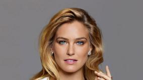 Bar Refaeli Looking Front Face Closeup